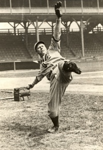 Mordecai Brown: Shown here in 1909, when he compiled a 27 –9 mark.