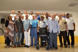 Ex-players with family of Carlos Bernier