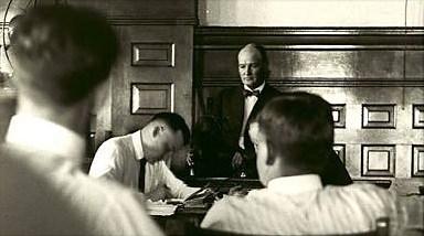 Sleepy Bill Burns testifies during the Black Sox trial in July 1920. (CHICAGO TRIBUNE)