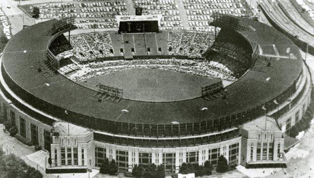 Municipal Stadium, Cleveland