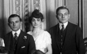 Ben Levi, left, and Lou Levi, right (pictured here flanking their sister), were indicted by a Chicago grand jury in March 1921, two of the five gamblers charged with conspiring to fix the 1919 World Series. The charges were later dropped.